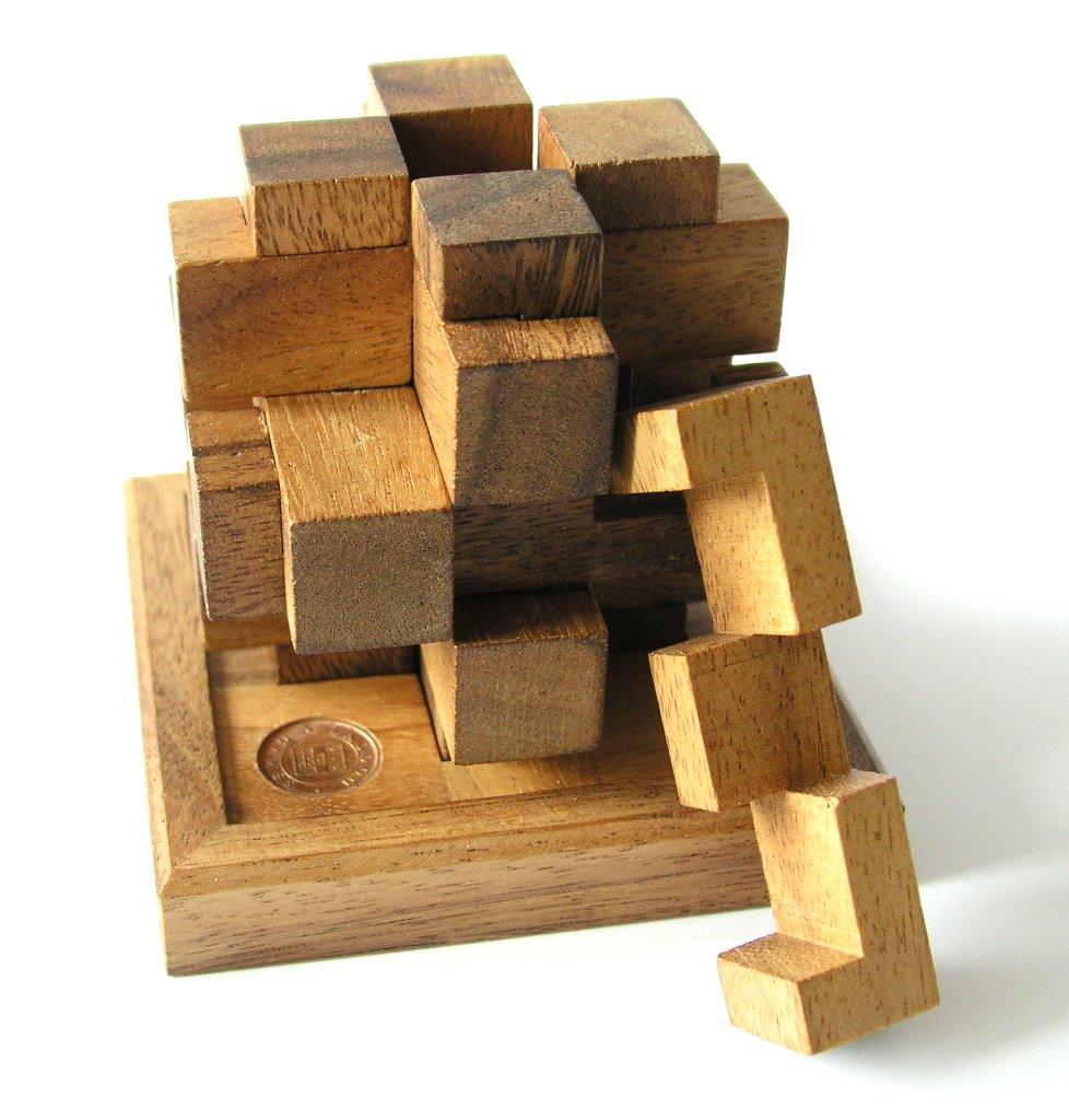 https://en.wikipedia.org/wiki/Mechanical_puzzle